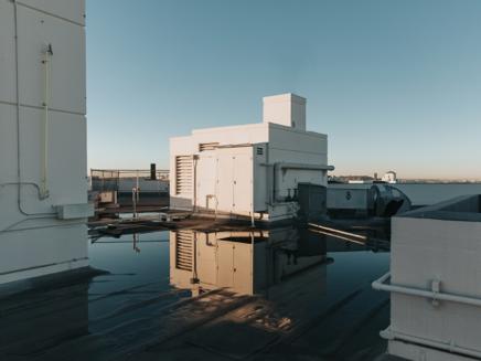 ビルに不可欠な屋上防水 その費用と種類