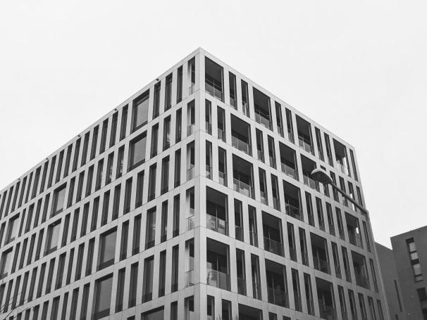 中古ビル購入の際の注意点 家賃収入で安定的な利益を上げるためのポイント
